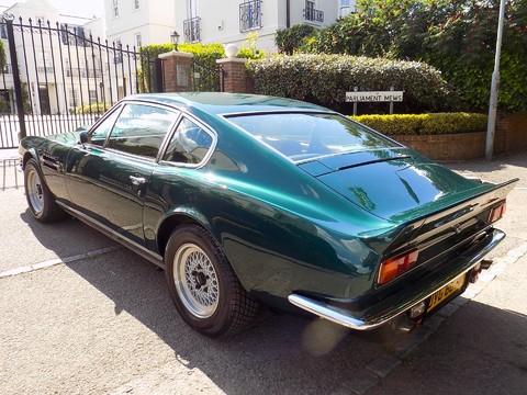 Aston Martin V8 Series 3 34