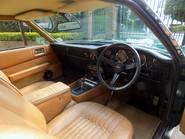 Aston Martin V8 Series 3 36