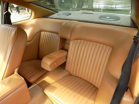 Aston Martin V8 Series 3 38