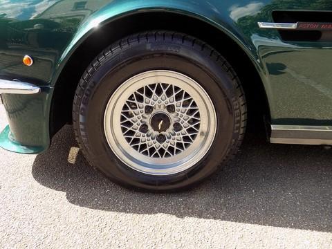 Aston Martin V8 Series 3 44
