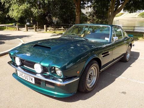 Aston Martin V8 Series 3 66