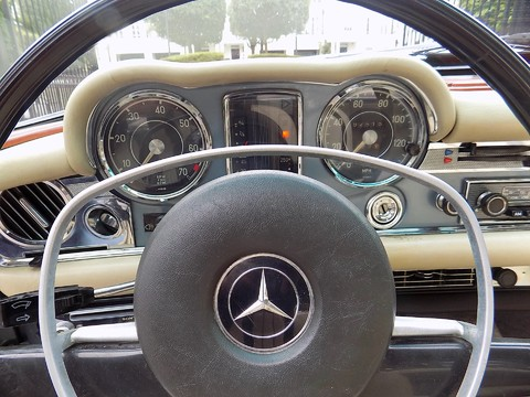 Mercedes-Benz SL Series 280SL Pagoda Sports 17