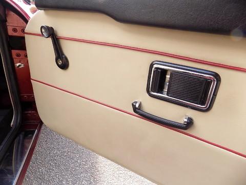 MG B V8 ROADSTER 10