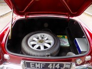 MG B V8 ROADSTER 12