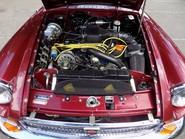 MG B V8 ROADSTER 13