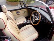 MG B V8 ROADSTER 29