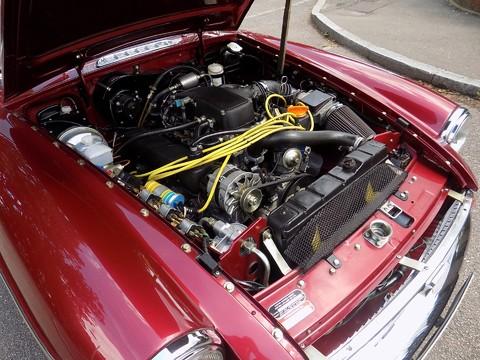 MG B V8 ROADSTER 44