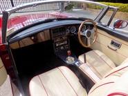 MG B V8 ROADSTER 57