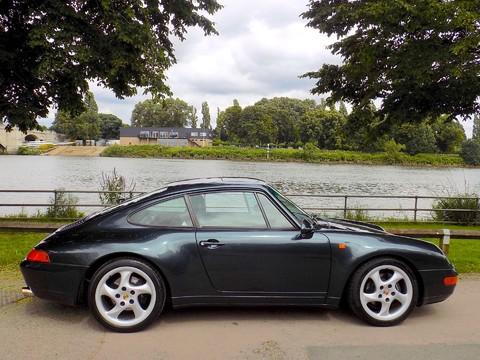 Porsche 911 993 CARRERA 2 8