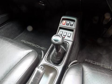 Porsche 911 993 CARRERA 2 21