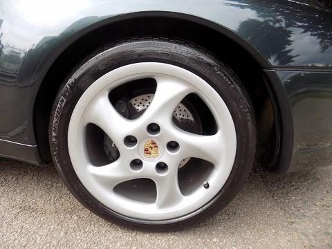 Porsche 911 993 CARRERA 2 30
