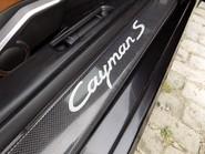 Porsche Cayman S 32