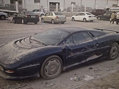 LIMPING CAT: DYING XJ220 SPOTTED