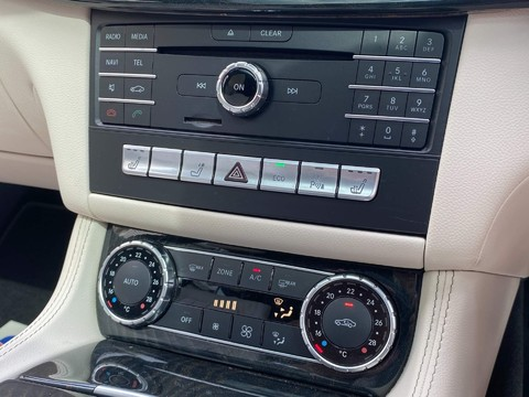 Mercedes-Benz CLS CLS220 D AMG LINE PREMIUM 14