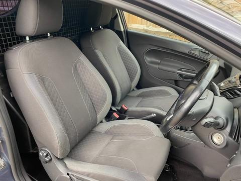 Ford Fiesta SPORT TDCI 9