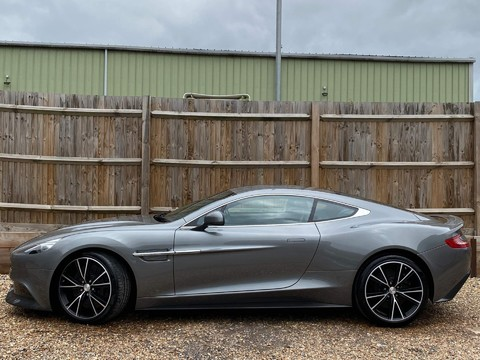 Aston Martin Vanquish V12 2