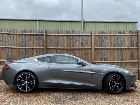 Aston Martin Vanquish V12 5