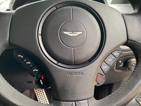 Aston Martin Vanquish V12 9