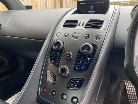 Aston Martin Vanquish V12 15