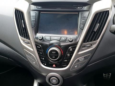 Hyundai Veloster GDI SPORT 12