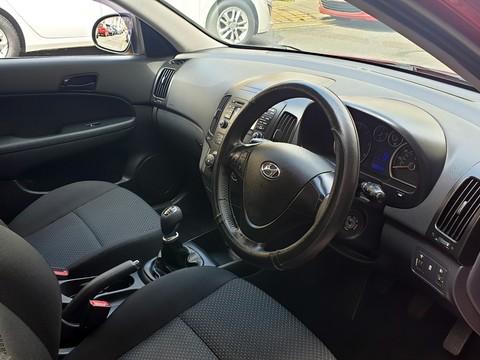Hyundai I30 COMFORT CRDI 8