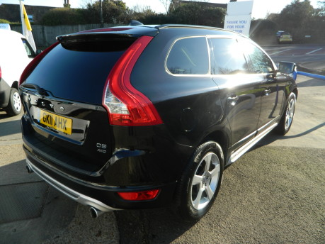 Volvo XC60 D5 R-DESIGN AWD, 2.4 GEARTRONIC, FULL LEATHER, 70,000 MILES 3