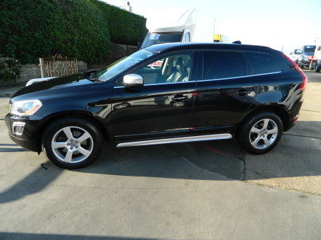 Volvo XC60 D5 R-DESIGN AWD, 2.4 GEARTRONIC, FULL LEATHER, 70,000 MILES 7