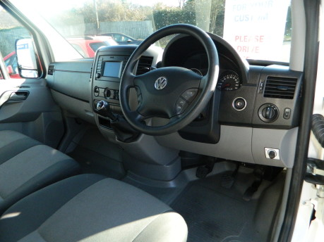 Volkswagen Crafter CR35 TDI C/C Luton with Taillift 70,000 Miles 10