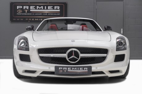 Mercedes-Benz SLS 63 AMG 6.2 V8 ROADSTER. NOW SOLD. CALL US TODAY TO SELL YOUR MERCEDES. 3