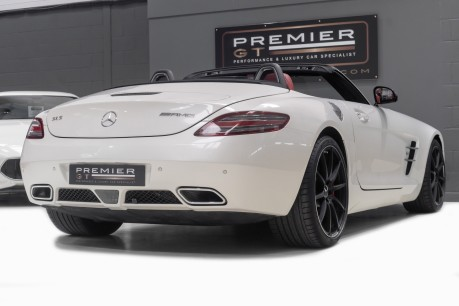 Mercedes-Benz SLS 63 AMG 6.2 V8 ROADSTER. NOW SOLD. CALL US TODAY TO SELL YOUR MERCEDES. 7