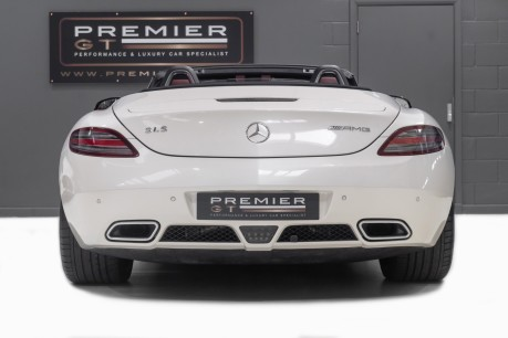 Mercedes-Benz SLS 63 AMG 6.2 V8 ROADSTER. NOW SOLD. CALL US TODAY TO SELL YOUR MERCEDES. 8