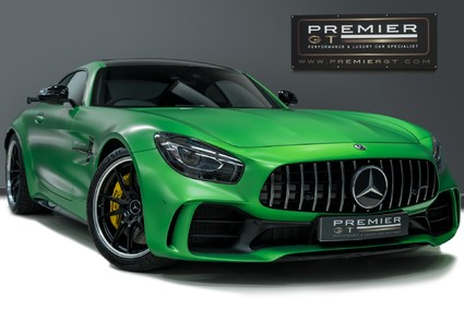 Mercedes-Benz Amg GT R. 4.0 V8. PREMIUM PACK. GREEN HELL MAGNO. AMG PERFORMANCE SEATS.