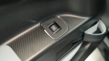 Aston Martin Vantage GT8. 4.7 V8. ENORMOUS SPECIFICATION. AM WARRANTY UNTIL JUNE 2022. FULL PPS. 41