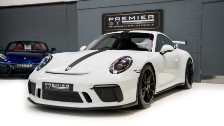 Porsche 911 991.2 GT3-HUGE SPECIFICATION-FRONT-AXLE LIFT-PCCBS-6 SPEED MANUAL. 3
