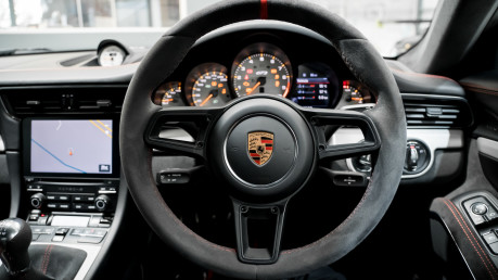 Porsche 911 991.2 GT3-HUGE SPECIFICATION-FRONT-AXLE LIFT-PCCBS-6 SPEED MANUAL. 46