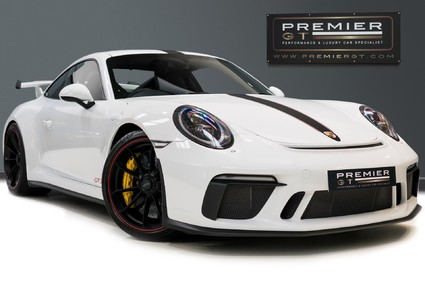 Porsche 911 991.2 GT3-HUGE SPECIFICATION-FRONT-AXLE LIFT-PCCBS-6 SPEED MANUAL.