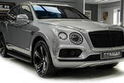 Bentley Bentayga 6.0 W12 TWIN-TURBO. TOURING PACK. CITY PACK. FRONT COMFORT SPECIFICIATION. 28