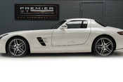 Mercedes-Benz SLS AMG 6.2 V8. ONE FORMER KEEPER. HUGE SPECIFICATION. DESIGNO RED LEATHER. 5