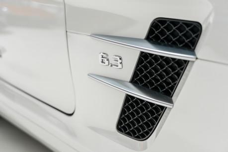 Mercedes-Benz SLS AMG 6.2 V8. ONE FORMER KEEPER. HUGE SPECIFICATION. DESIGNO RED LEATHER. 21