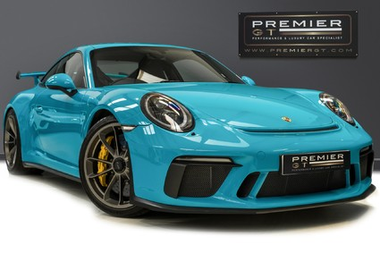 Porsche 911 GT3. 991.2. 6-SPEED MANUAL. CLUBSPORT PACK. PCCBs. FRONT AXLE LIFT.