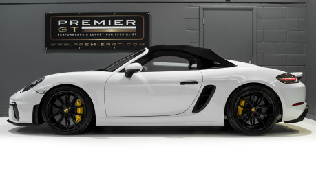 Porsche 718 4.0 SPYDER. 6-SPEED MANUAL. BRAND NEW CAR. SPYDER INTERIOR. SPORTS CHRONO. 5