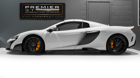 McLaren 675LT SPIDER. 3.8 V8. SSG CARBON FIBRE EXT PACK. CARBON FIBRE INT PACK FRONT LIFT 8