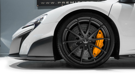McLaren 675LT SPIDER. 3.8 V8. SSG CARBON FIBRE EXT PACK. CARBON FIBRE INT PACK FRONT LIFT 9
