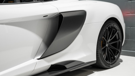McLaren 675LT SPIDER. 3.8 V8. SSG CARBON FIBRE EXT PACK. CARBON FIBRE INT PACK FRONT LIFT 31