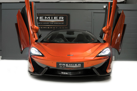 McLaren 570S SPIDER. V8 SSG.FRONT AXLE LIFT. FRONT END TOPAZ PPF. OVER £25K OF OPTIONS. 3