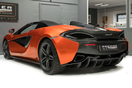 McLaren 570S SPIDER. V8 SSG.FRONT AXLE LIFT. FRONT END TOPAZ PPF. OVER £25K OF OPTIONS. 8
