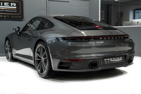 Porsche 911 CARRERA S PDK. SPORTS CHRONO PACKAGE. SPORTS EXHAUST. BOSE SOUND SYSTEM. 6