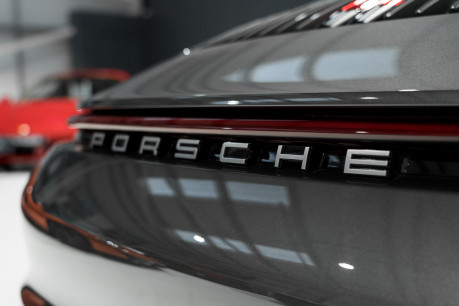Porsche 911 CARRERA S PDK. SPORTS CHRONO PACKAGE. SPORTS EXHAUST. BOSE SOUND SYSTEM. 9