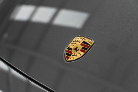 Porsche 911 CARRERA S PDK. SPORTS CHRONO PACKAGE. SPORTS EXHAUST. BOSE SOUND SYSTEM. 25