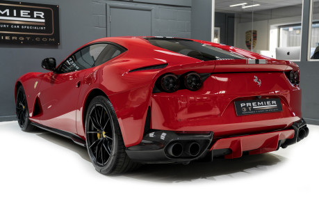 Ferrari 812 Superfast 6.5 V12. CARBON FIBRE DRIVER ZONE WITH LEDS. PASSENGER DISPLAY. FULL PPF. 4